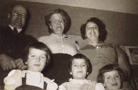 Image: the Cassutto Family and Grietje Bogaarts, ca. 1954.